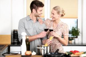 Leidenschaft einer Beziehung mit gemeinsamen Kochen erhalten
